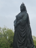 Photo of statue of Queen Victoria