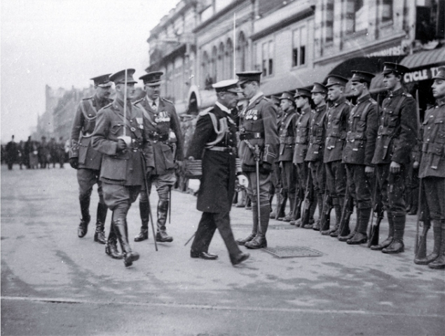 Lord Jellicoe inspects the First Canterbury Guard of Honour, ANZAC Day, foundation stone ceremony, Bridge of Remembrance [25 Apr. 1923] CCL PhotoCD 15, IMG0023