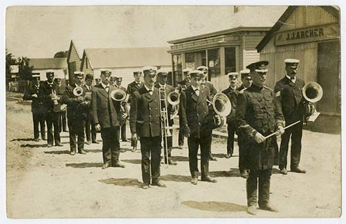 Leader of the band, 1913