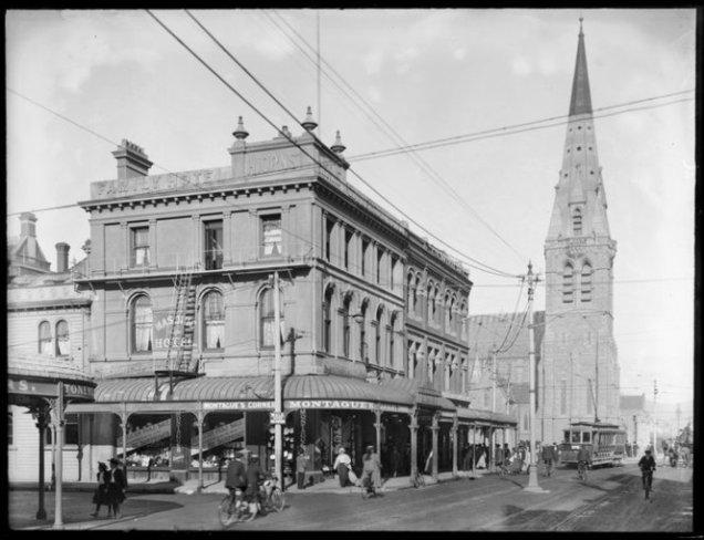 Montague's Corner Masonic Hotel